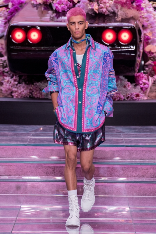 VERSACE MEN'S SPRING-SUMMER 2020 FASHION SHOW - MODERN